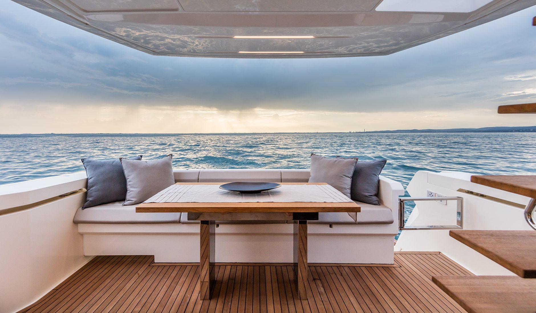 Buy yacht FERRETTI YACHTS 450