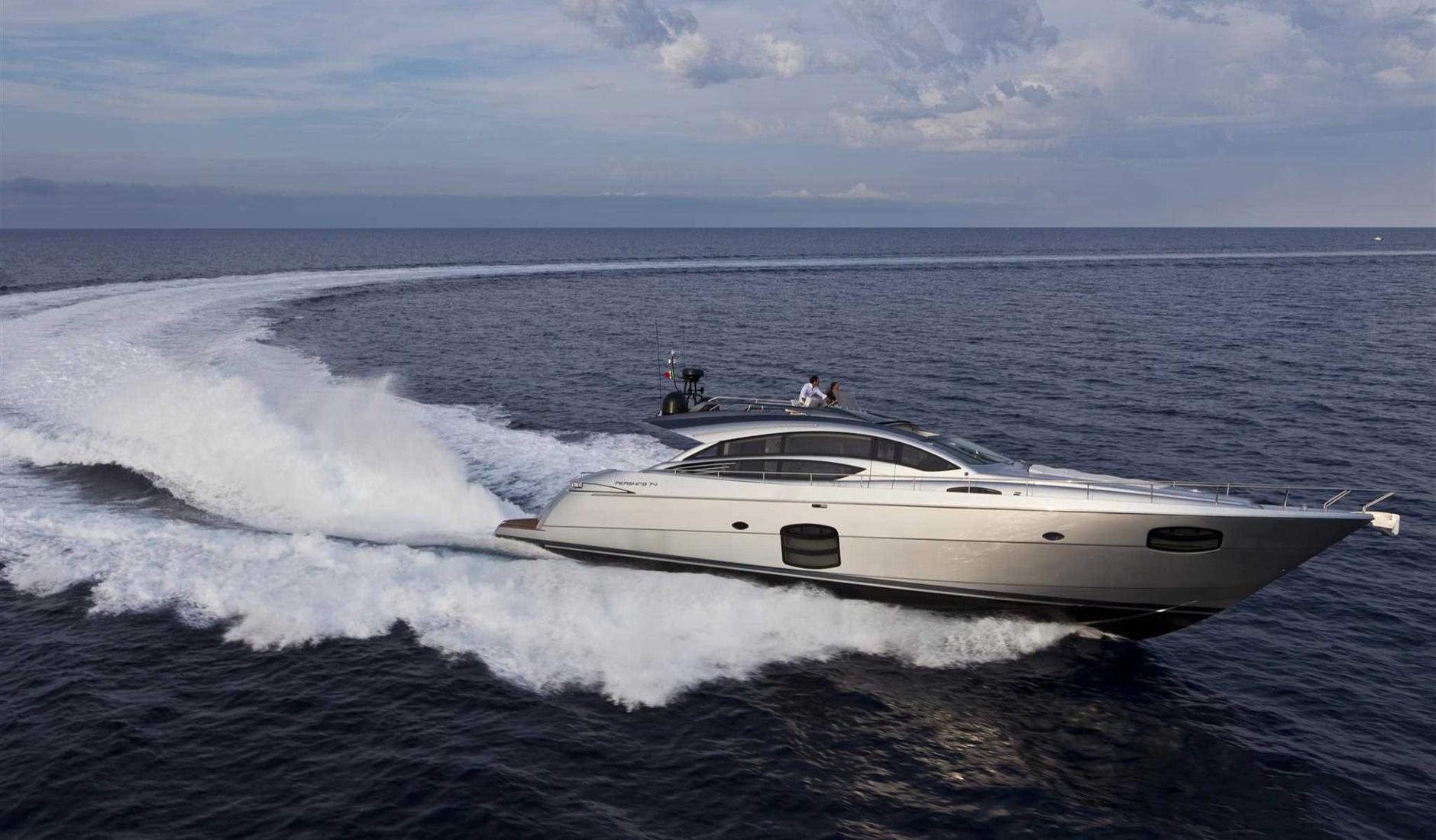 Купить яхту PERSHING 74 2016 год