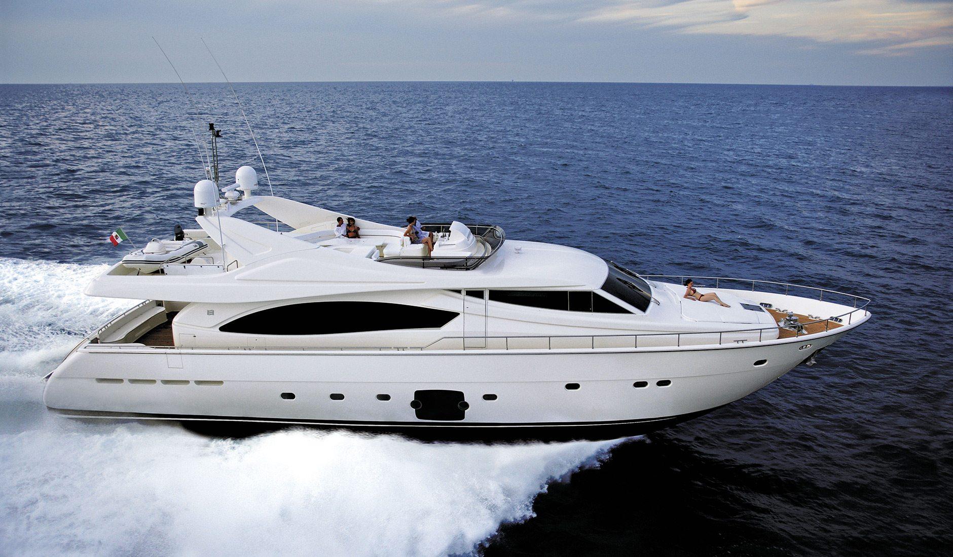 Аренда яхты FERRETTI YACHTS 881 RPH/2010