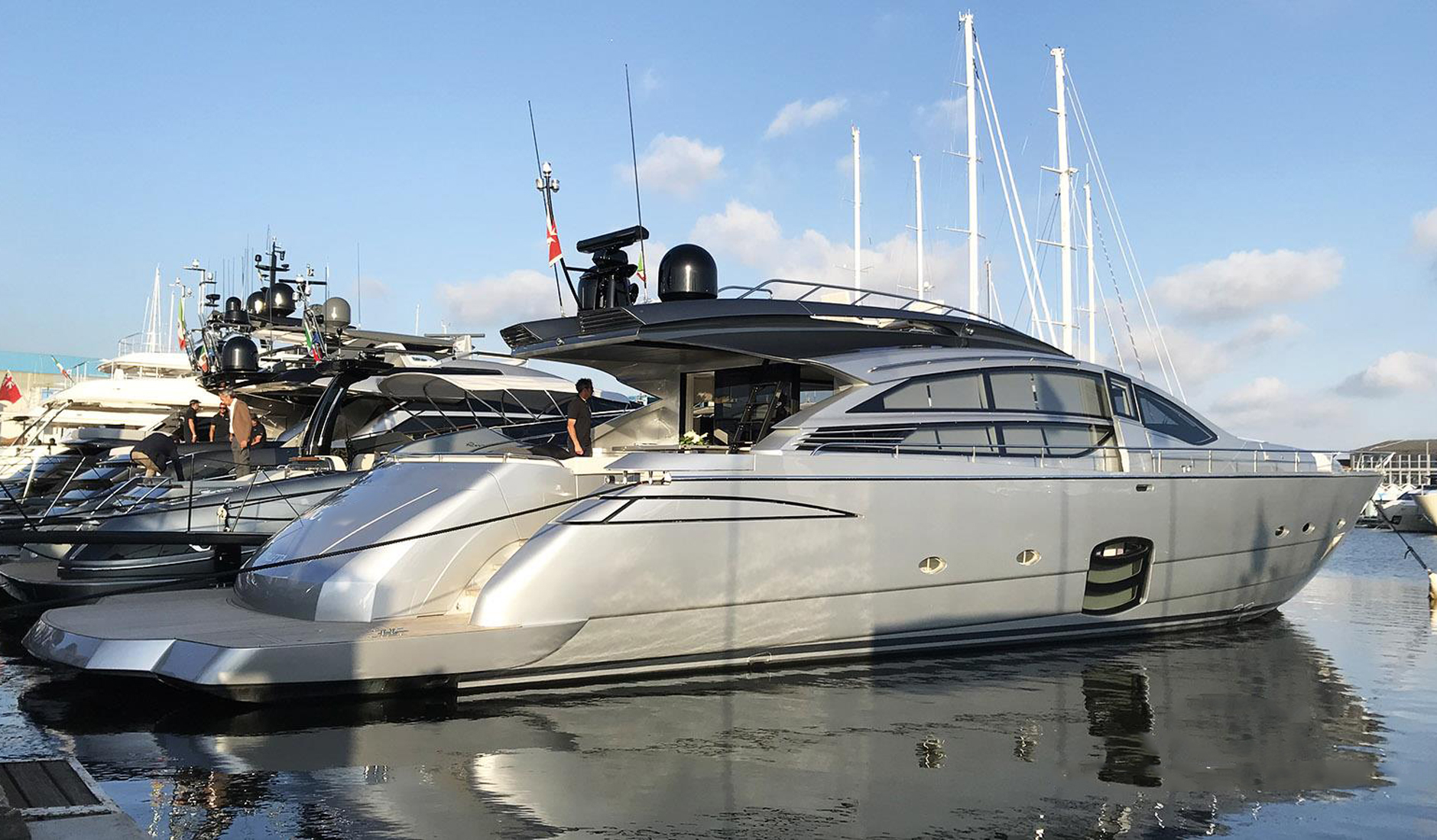 Buy yacht PERSHING 82/2014
