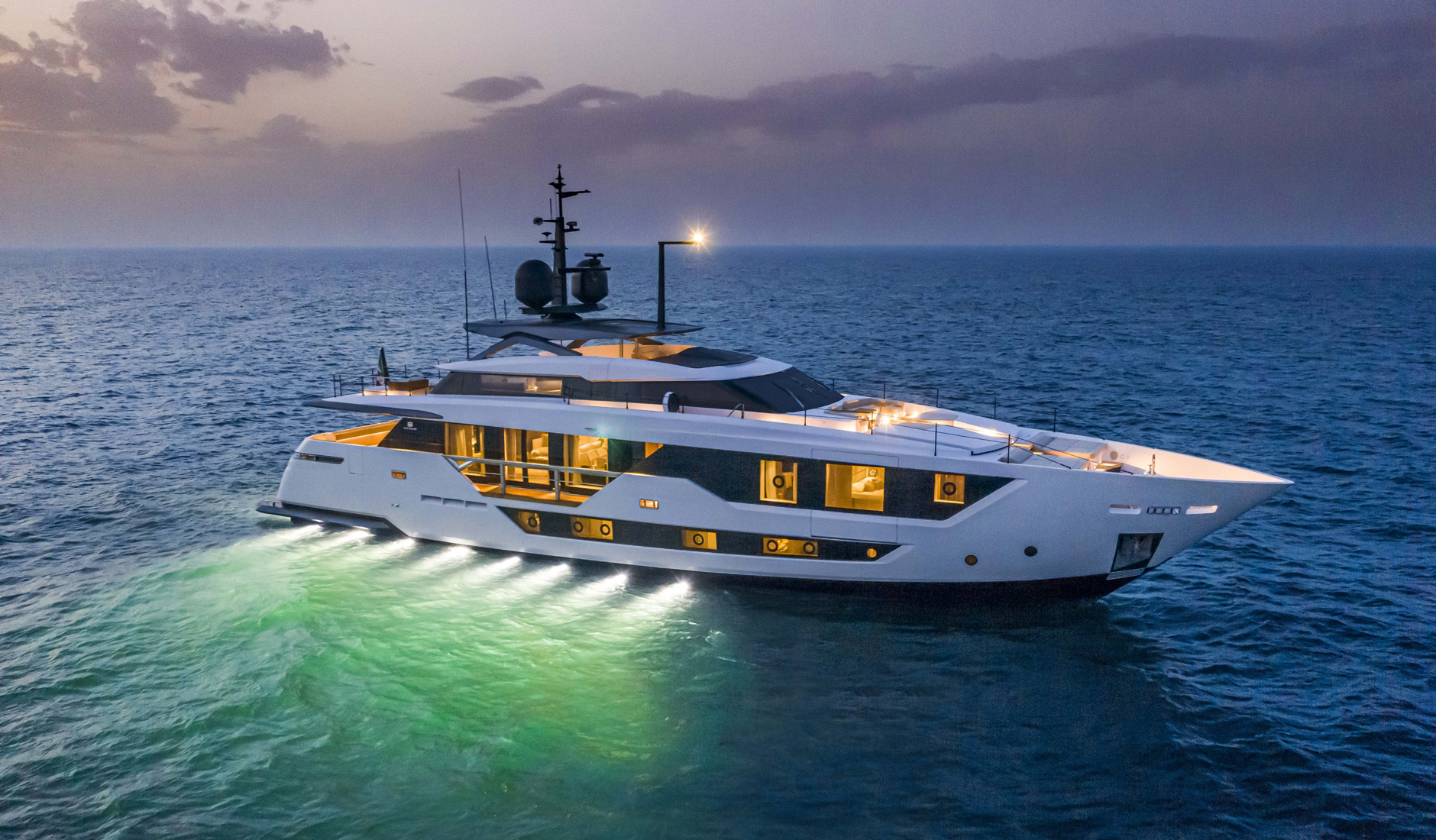 Buy yacht CUSTOM LINE 106