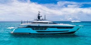 Custom Line 120' завоевала Boat Builder Awards 2018