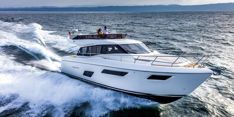 FERRETTI YACHTS 450. INNOVATIVE APPROACH
