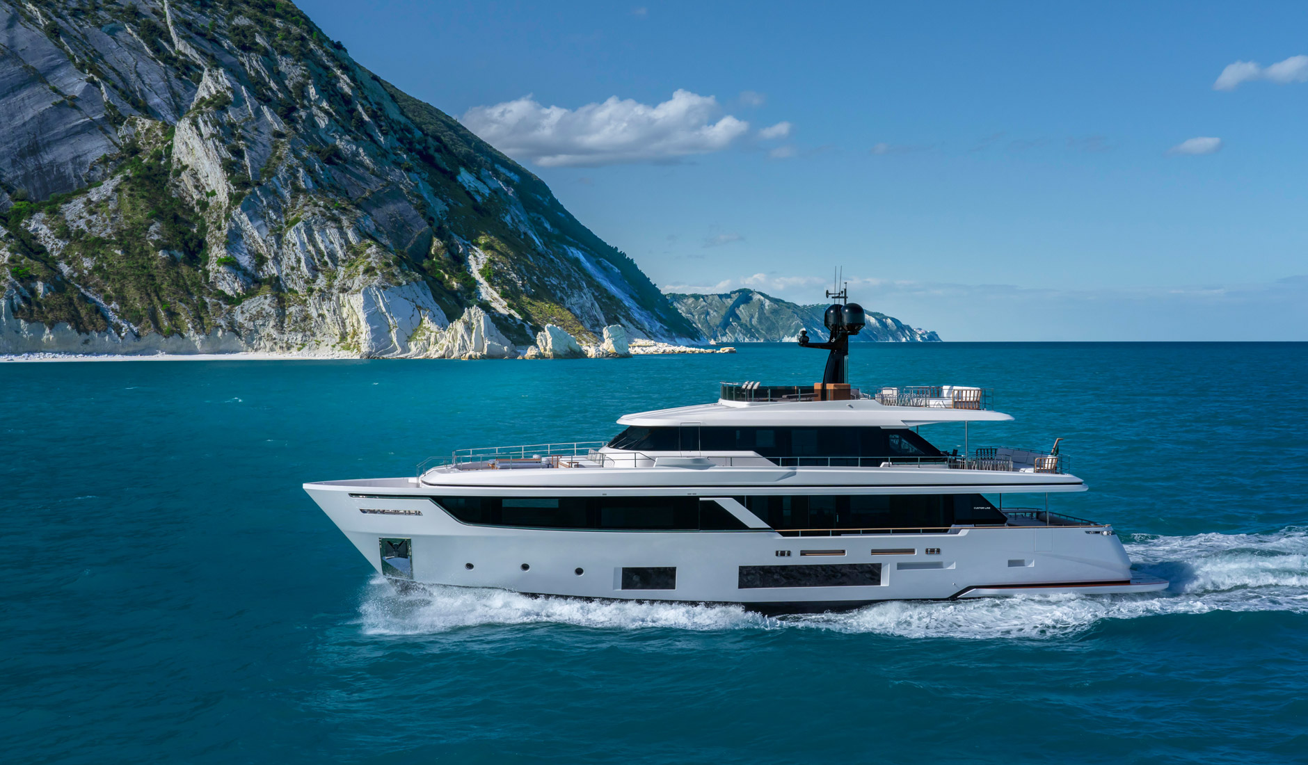 Custom Line Navetta 30 Project Photo  2