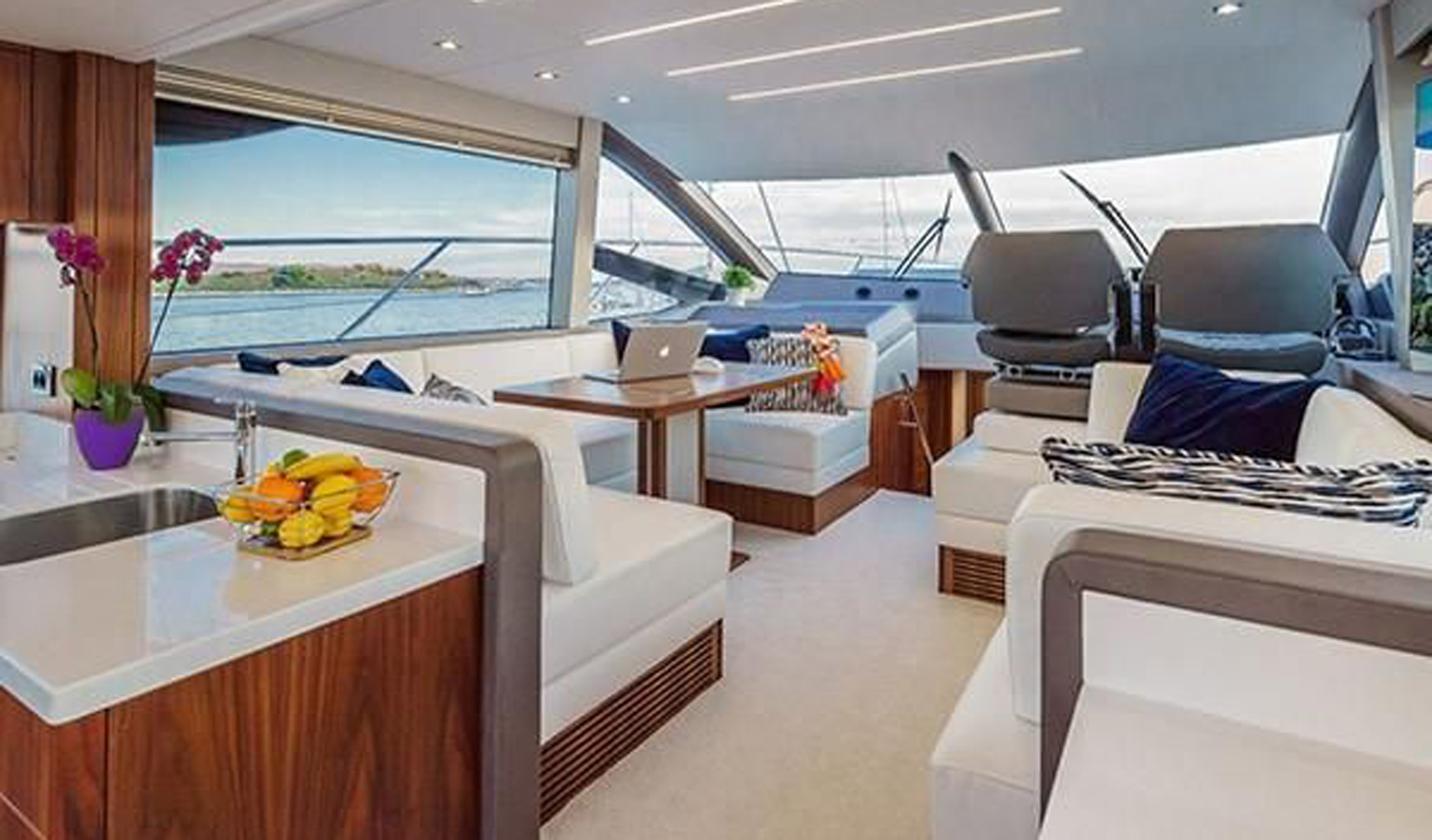 SUNSEEKER MANHATTAN 52 2017 год Фото  6