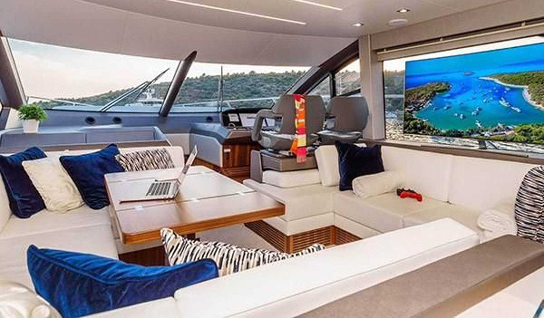 SUNSEEKER MANHATTAN 52 2017 год Фото  7