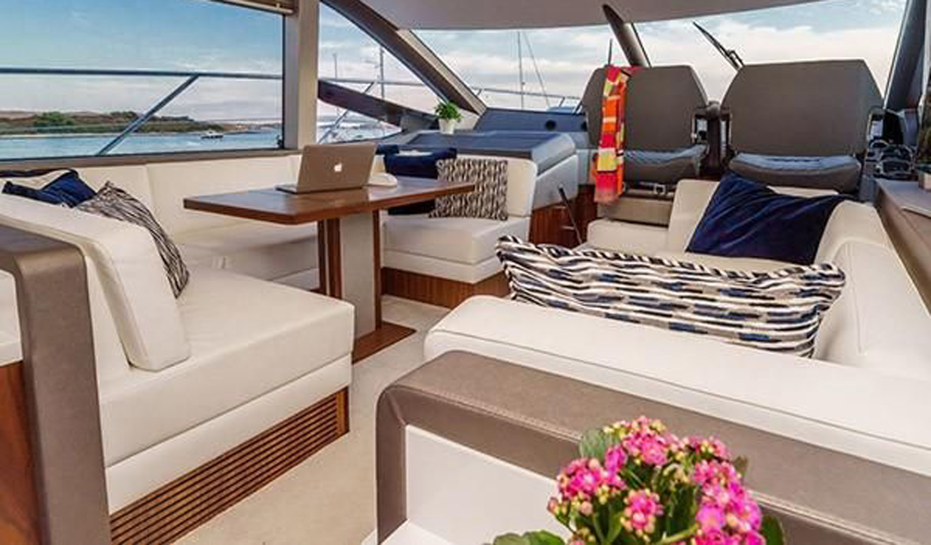 SUNSEEKER MANHATTAN 52 2017 год Фото  9