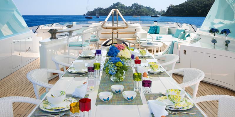 6 коллекций изысканной посуды для яхты