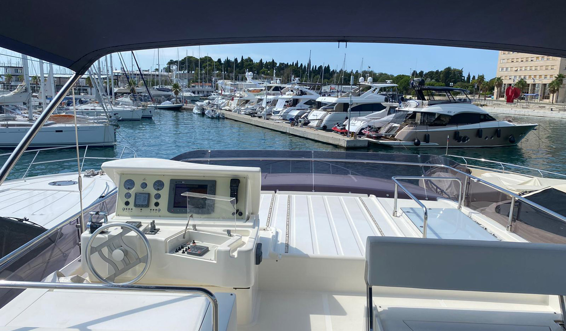 FERRETTI YACHTS 630/2008 Photo  5