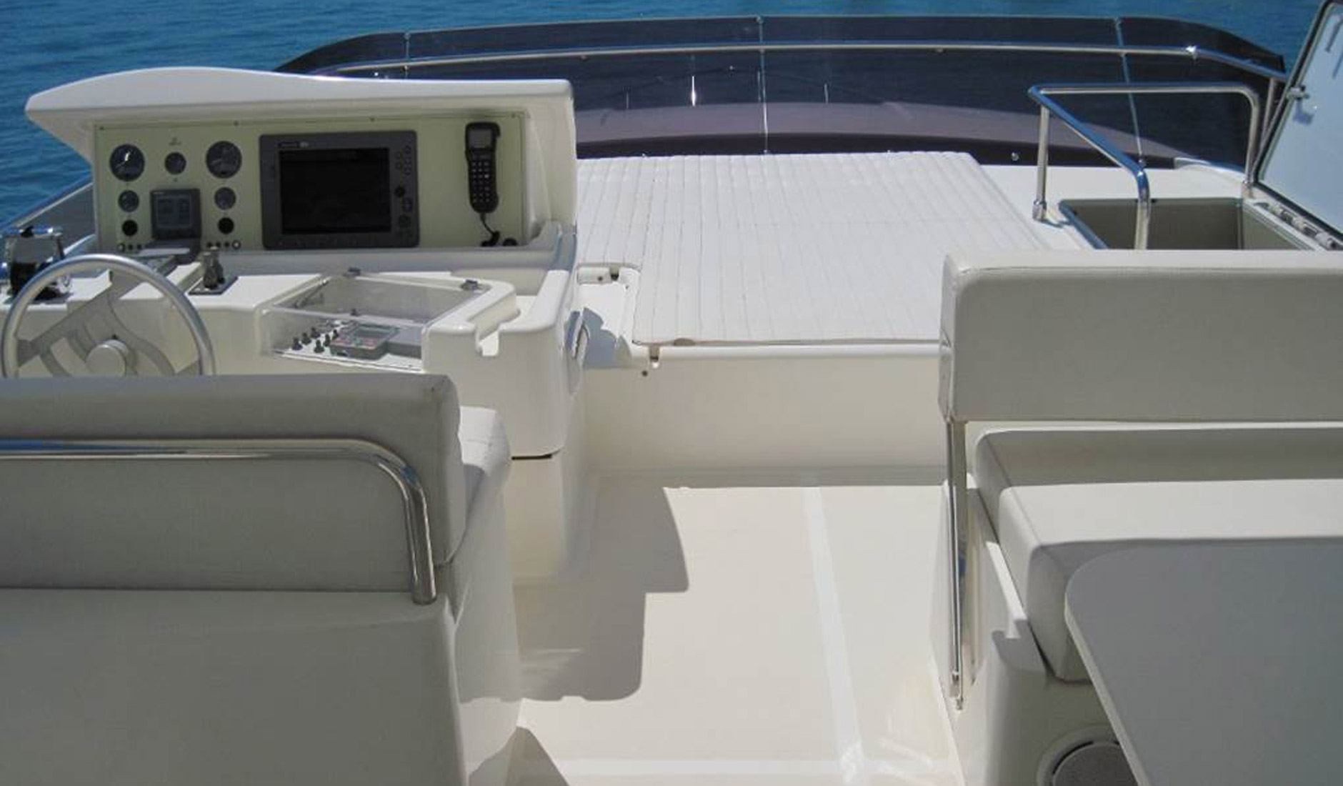 FERRETTI YACHTS 630/2008 Photo  10