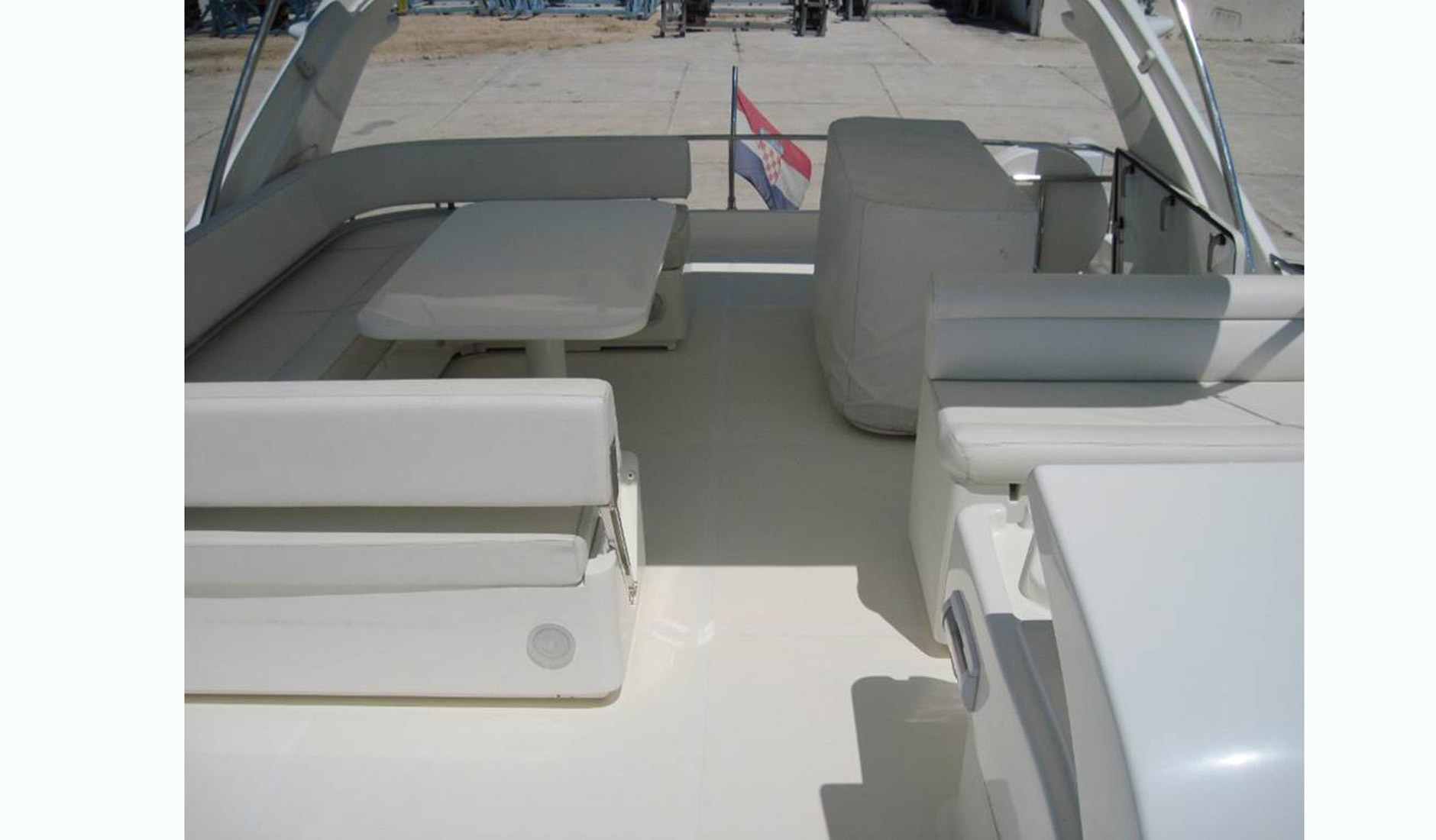 FERRETTI YACHTS 630/2008 Photo  8