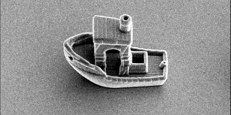 Изготовлен самый крошечный в мире корабль