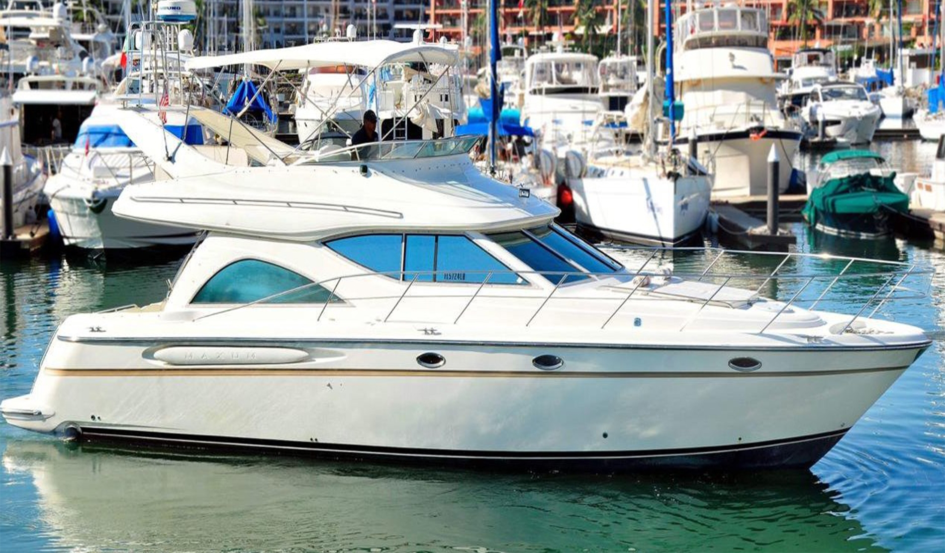 Купить яхту Maxum 46 2000 год