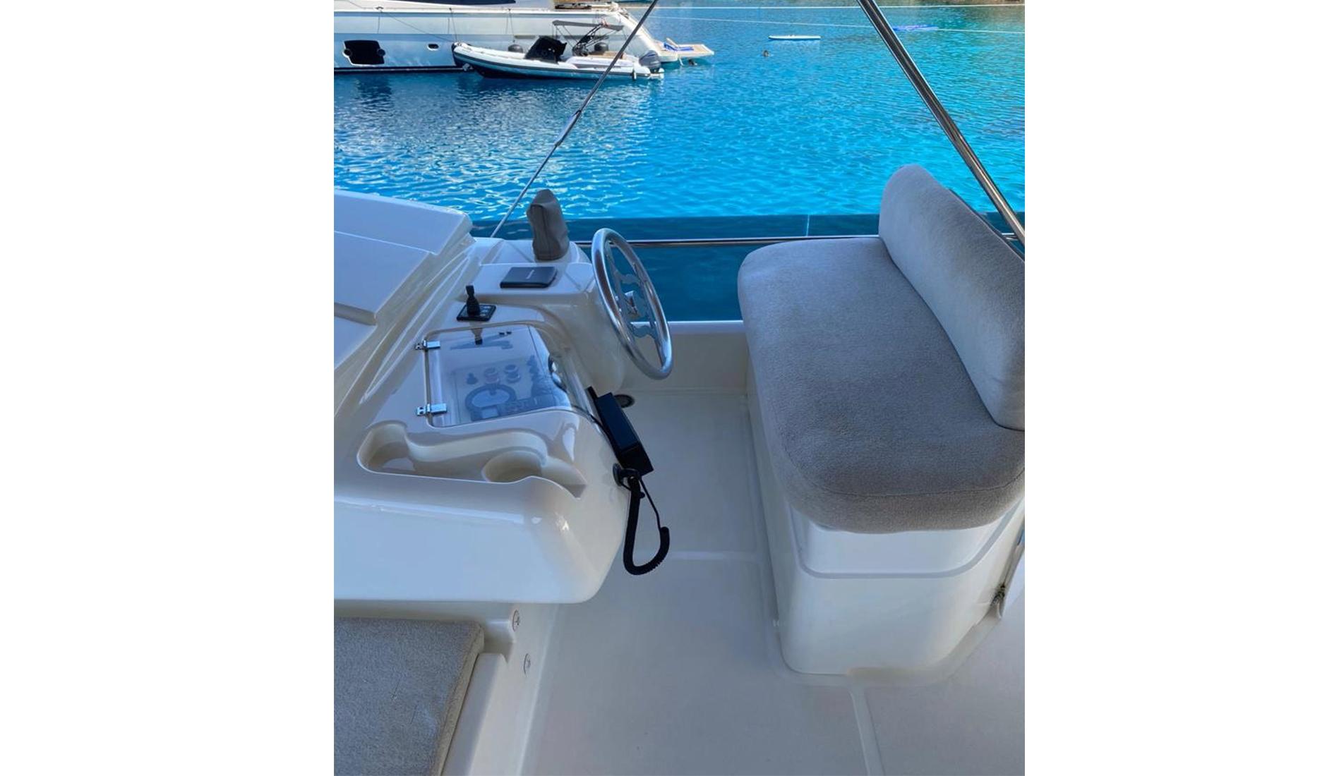 Ferretti Yachts 560 2010 год Фото  7