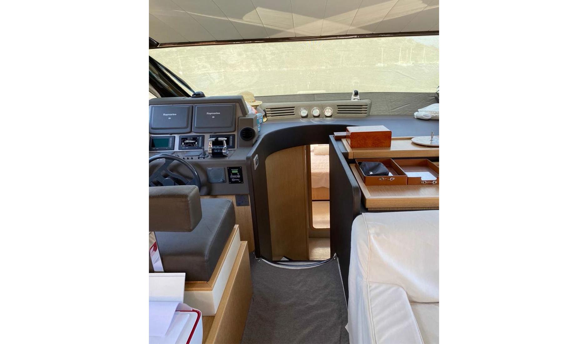 Ferretti Yachts 560 2010 год Фото  11