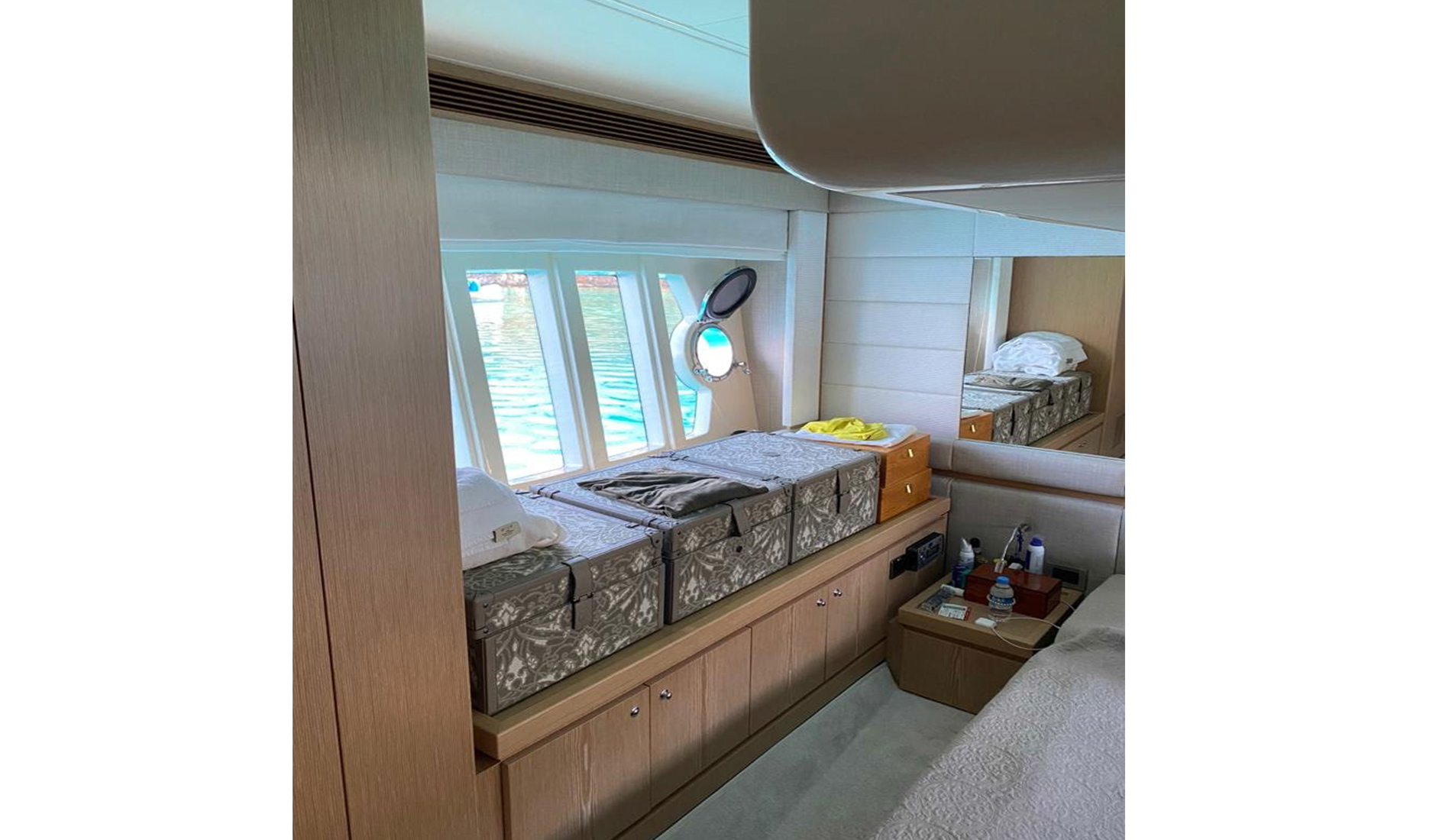 Ferretti Yachts 560 2010 год Фото  15