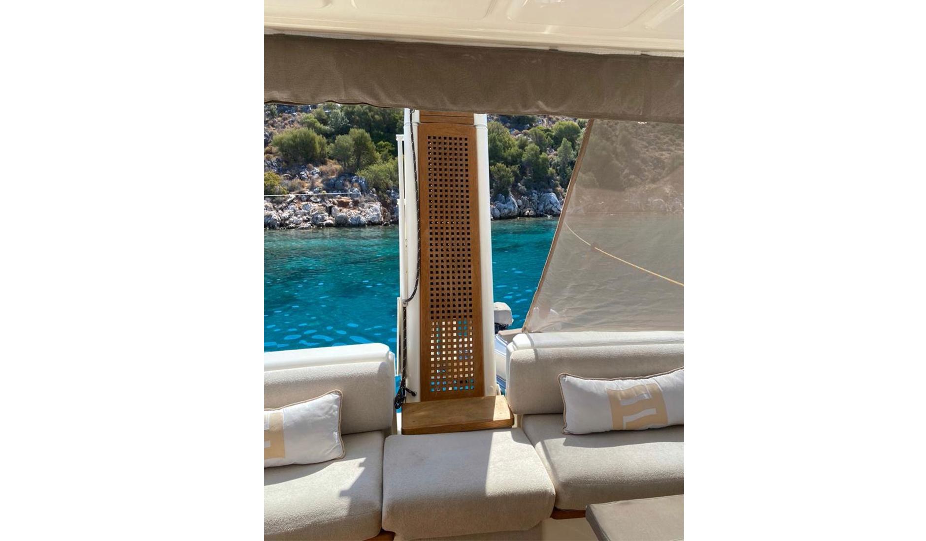 Ferretti Yachts 560 2010 год Фото  1