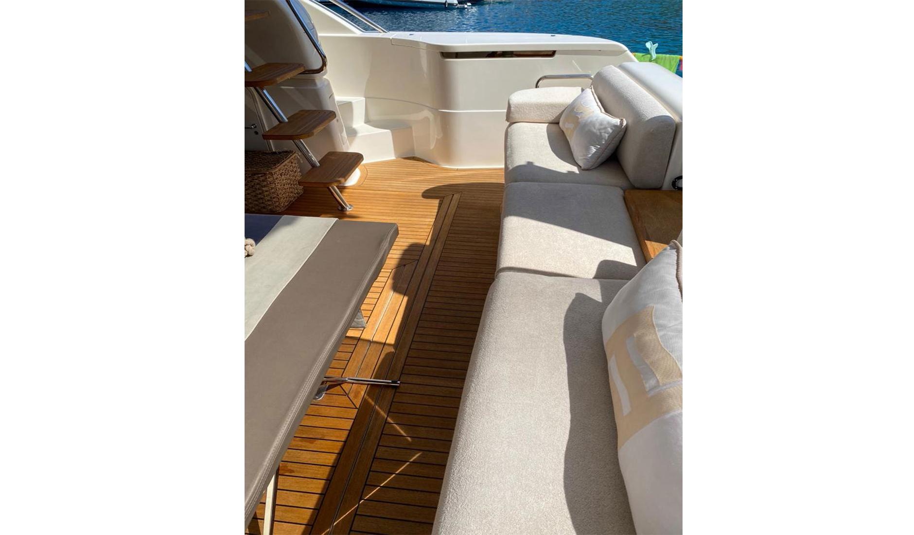 Ferretti Yachts 560 2010 год Фото  2