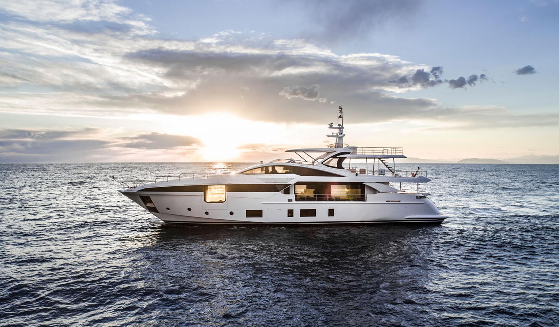 Buy yacht Azimut Grande 35